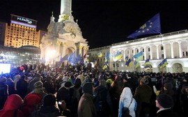 Betoging in Kiev op 28 november 2013. Foto: Oxlaey, flickr, creative commons
